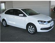 Volkswagen (VW) - Polo Sedan 1.4 Comfortline