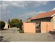 2 Bedroom Townhouse for sale in Sundowner & Ext