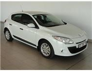 Renault - Megane III 1.6 Shake It 5 Door