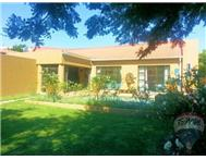 R 1 695 000 | Townhouse for sale in Douglasdale & Ext Sandton Gauteng