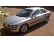 Silver Volvo S60 2.0turbo 2004 64 000 km s. Fantastic condition!