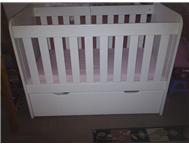 White Cot with Draw