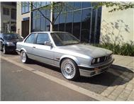 BMW - 325i (E30) 2 Door Manual