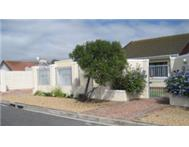 Two houses and cathotel for sale