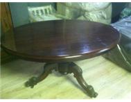 Antique mahogany loo table