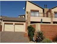 R 760 000 | Townhouse for sale in Rangeview Ext 4 Krugersdorp Gauteng