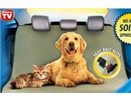 PET ZOOM LOUNGEE; PROTECTS CAR SEATS FROM DIRT AND DAMAGE!