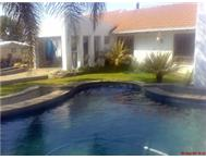 KEMPTON HOUSE 4 BEDROOM WITH POOL AND FLATLETS-R16 500.(Ref:A127