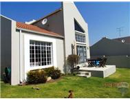 2 Bedroom Townhouse for sale in Douglasdale & Ext