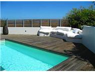 Townhouse to rent monthly in CAMPS BAY CAPE TOWN