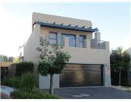 4 Bedroom Townhouse for sale in Plattekloof