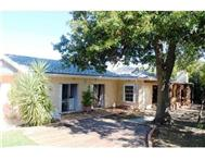 House For Sale in LAND & ZEEZICHT SOMERSET WEST