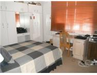 SPACIOUS 2 DOUBLE BEDROOM FLAT- STUNNING VIEWS- GREEN POINT