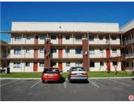 To Let: 2 Bedroom Apartment in Grassy Park
