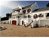 9 Bedroom House for sale in Plattekloof