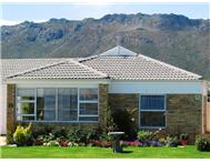 2 Bedroom House for sale in Gordons Bay