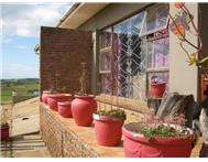 6 Bedroom House for sale in Uitenhage