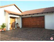 3 Bedroom duet in Moreleta Park