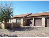 2 Bedroom Townhouse to rent in Honeydew Ridge