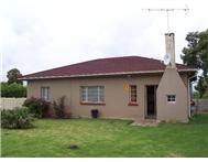 4 Bedroom House for sale in Humansdorp