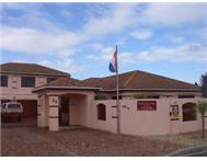 FURNISHED MODERN SELF CATERING GARDEN APARTMENT - BLOUBERG LODGE