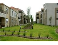 Spacious 1 Bedroom Flat in Security Complex Vredekloof