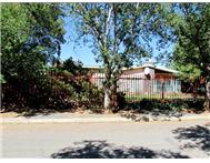 3 Bedroom House for sale in De Aar
