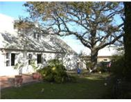 Spacious cosy 4 bedroom house in Somerset West