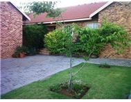 3 Bedroom Townhouse for sale in Rooihuiskraal North