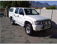2001 Toyota Hilux 2700i Double Cab with Canopy- like new-BARGAIN