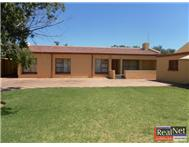 House For Sale in FLAMINGO PARK WELKOM