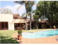 R 2 600 000 | House for sale in Douglasdale & Ext Sandton Gauteng
