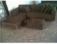 6 SEATER CORNER COUCH WITH OTTERMAN AND PILLOWS