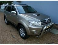 TOYOTA FORTUNER 3.0 D4D AUTO 2X4 LOW MILEAGE FSH AGENTS 2010