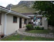 3 Bedroom House for sale in Voelklip