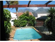 Full Title 3 Bedroom House in House For Sale Western Cape Rondebosch East - South Africa