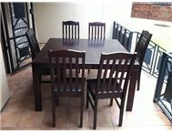 Dining room table and 6 chairs - R1...