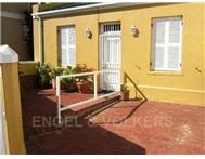 2 Bedroom House for sale in De Waterkant