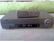 HI FI Nicam Stereo 6 Head JVC Model HR J677MS VCR and remote