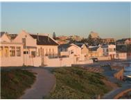 10 Bedroom Cluster in Bloubergstrand