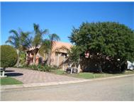 3 Bedroom 2 Bathroom House for sale in Wavecrest
