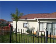 Full Title 3 Bedroom House in House For Sale Gauteng Pretoria North - South Africa