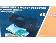 PROFESSIONAL MONEY DETECTOR AD-2138; DETECTS COUNTERFEIT BANKNOTES AND CREDIT CARDS!