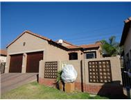 2 Bedroom 2 Bathroom Flat/Apartment for sale in Bloubosrand