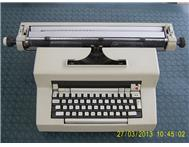 Electric Typewriter Olivetti Editor 3