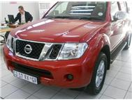 2013 NISSAN PATHFINDER 2.5 DCI 4X4 SE BEST DEAL IN TOWN SAVE R60000