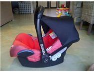 Maxi Cosi car seat & travel system