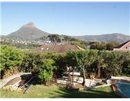 6 Bedroom House for sale in Vredehoek