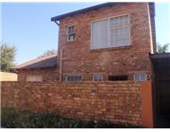 R 690 000 | Flat/Apartment for sale in Wilgeheuwel Roodepoort Gauteng