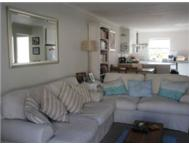 Lovely secure 2 bed apartment in Vredehoek with wonderful view